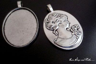 NOVITA'! Base cabochon color argento (bcod.B3-29)