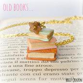Collana con pendente in pasta polimerica - Vecchi libri - Mod. Pastel