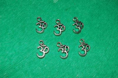 n. 6 charm ciondoli per bracciali collane orecchini  portafortuna buddha om buddhista yoga  argento tibetano