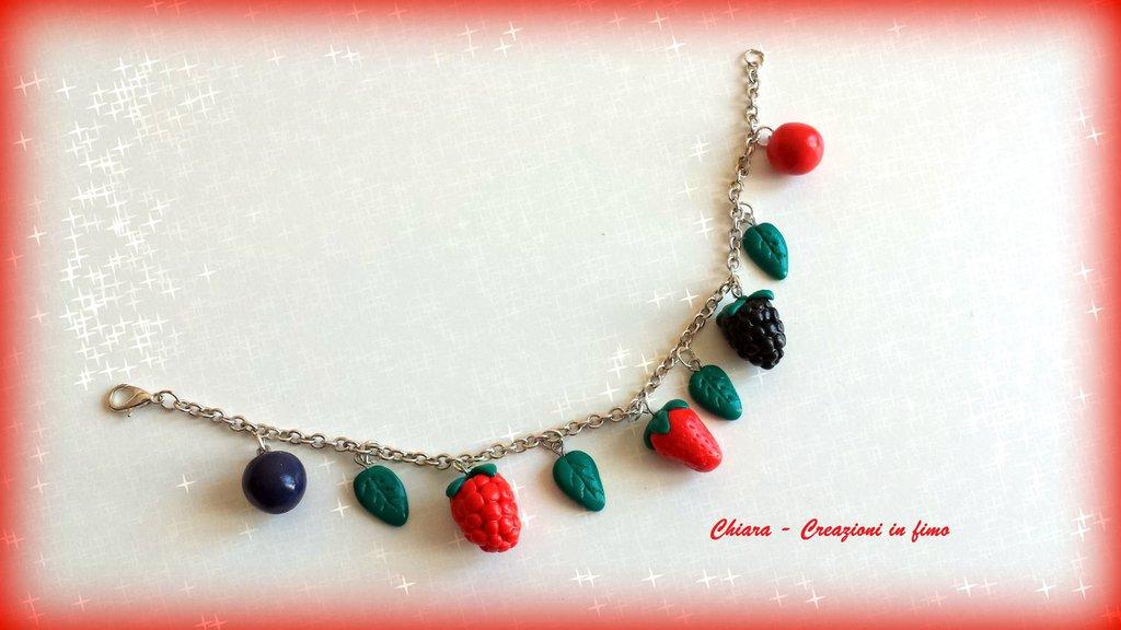 Bracciale in fimo handmade con frutti rossi primavera idee regalo donna idea regalo Festa della mamma