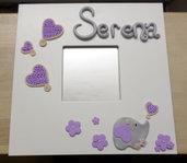 Elefantino e cuori di lana tra fiori lilla e rosa - cornice specchio bianca personalizzabile con nome - idea regalo nascita
