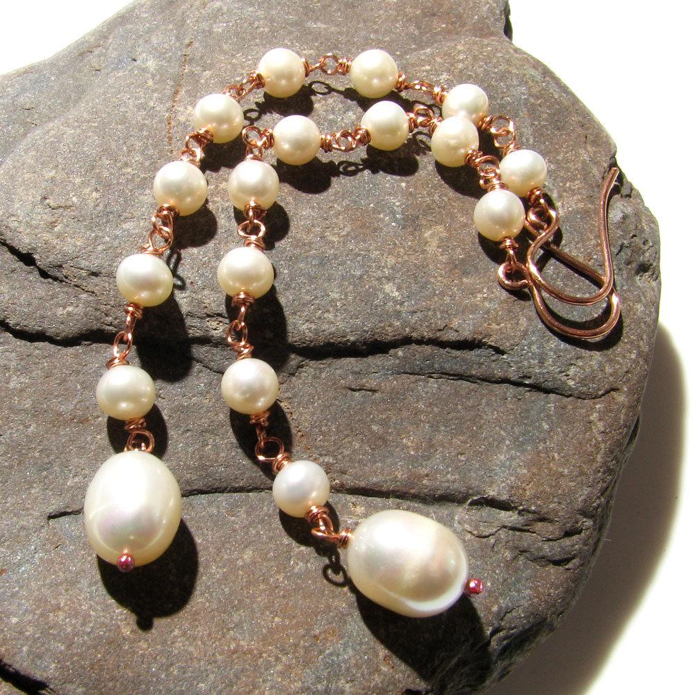 Orecchini lunghi con perle di acqua dolce