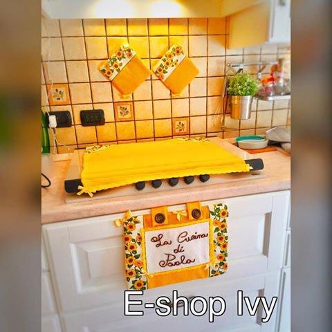 Set Cucina Copriforno coprifuochi e presine personalizzati con fras ...