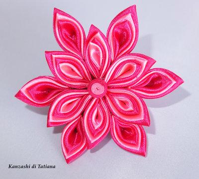 Fiore  kanzashi per capelli colore fucsia e rosa