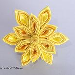 Fiore  kanzashi per capelli colore giallo