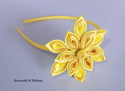 Fiore kanzashi per capelli colore giallo donna for Oggetti di colore giallo