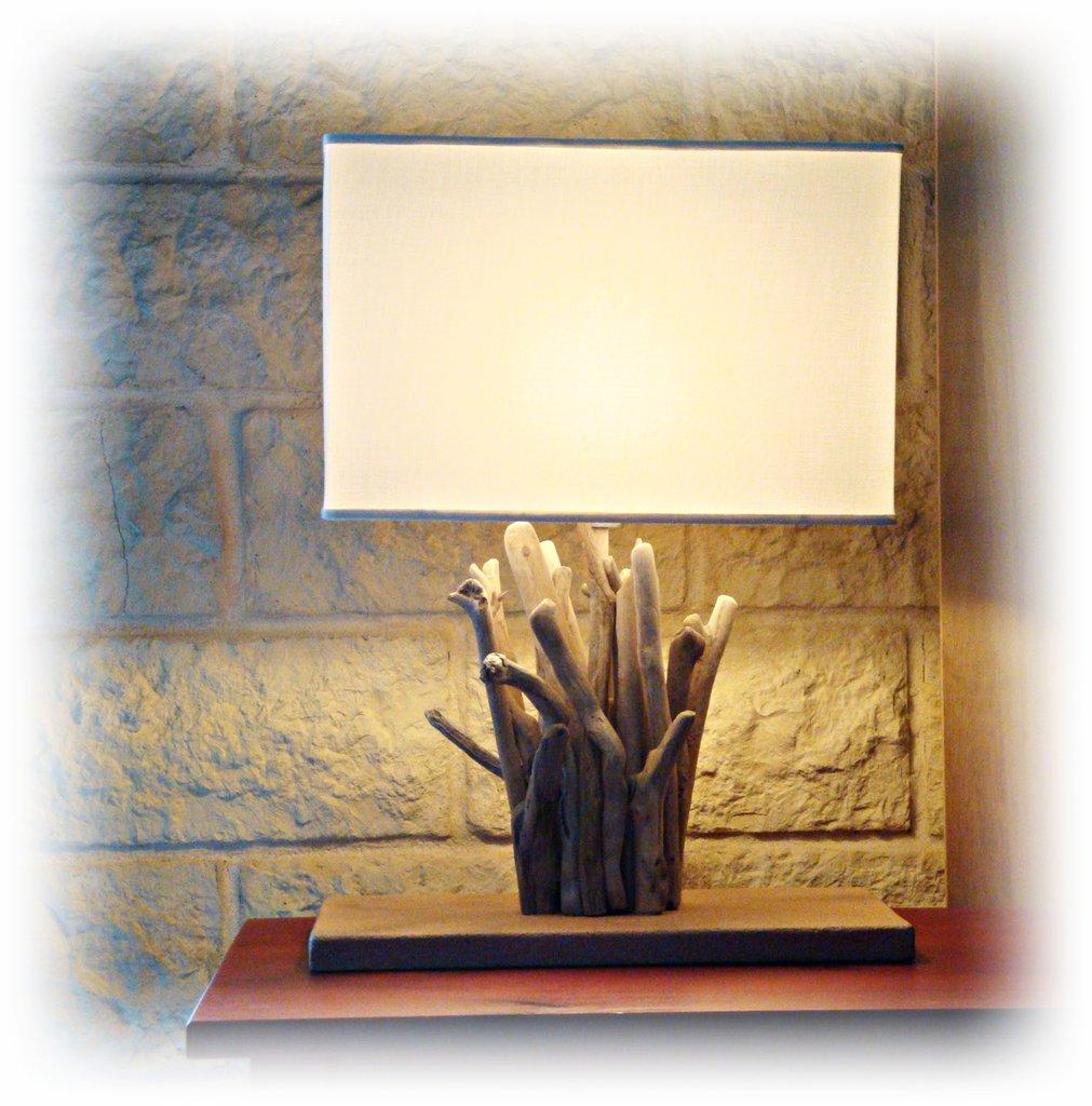 Tocaiori lampada con legni di mare per la casa e per te for Pesci con la e