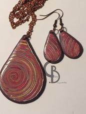 parure collana lunga con ciondolo e orecchini pendenti a goccia, disegno a spirale o vortice / ricciolo, lucido, fatto a mano