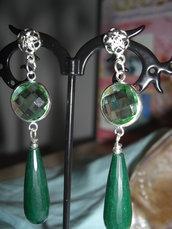 Orecchini pendenti verdi