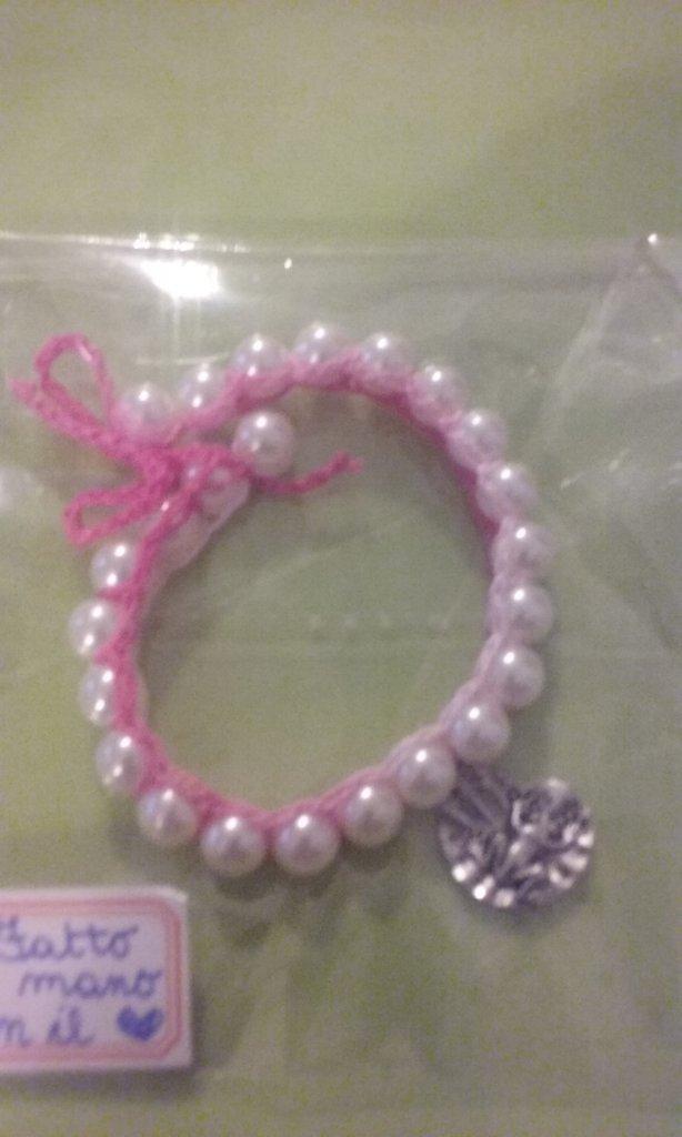 Braccialetto perle rilegati crochet
