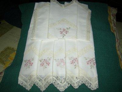 lenzuolino di puro cotone ricamato a mano