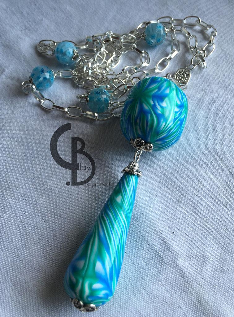 collana lunga con ciondolo azzurro e verde a goccia e perla grande, murrina caleidoscopica, caleidoscopio, perle con murrine in vetro, lucidato a mano, catena argento