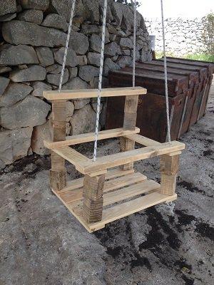 dondola in legno per bambini