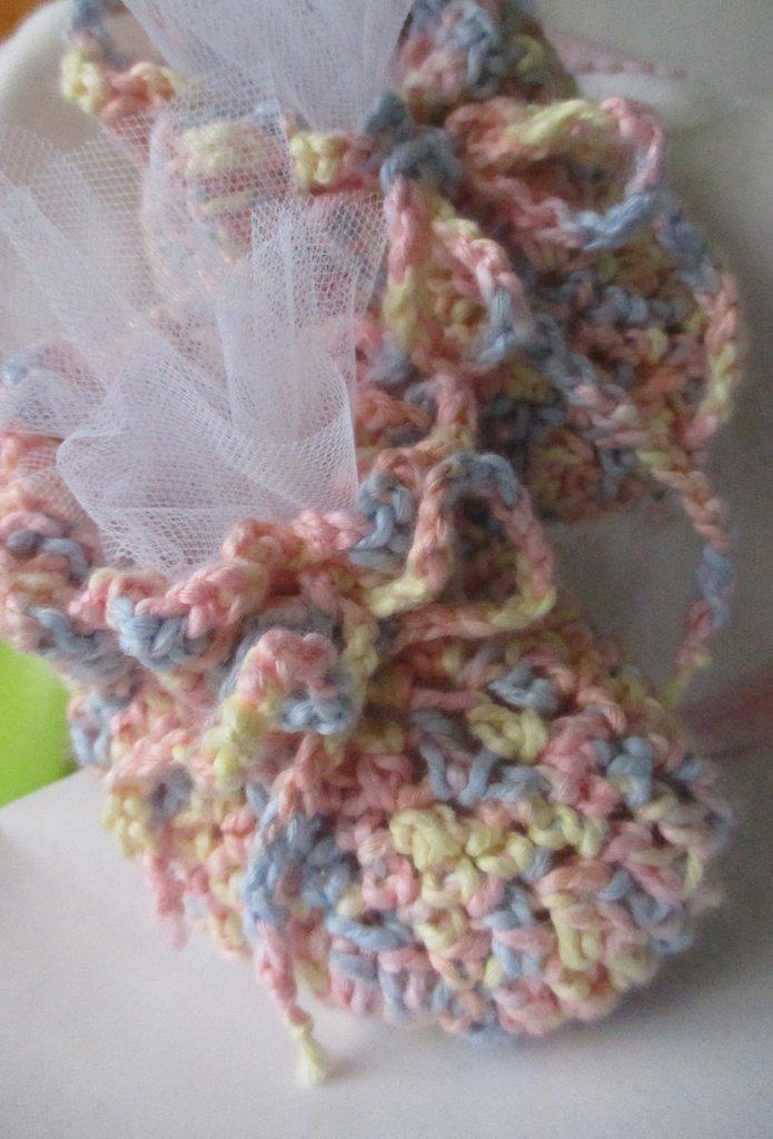 Scarpine in cotone per neonato lavorate a uncinetto