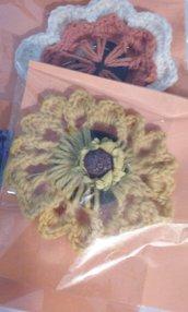 Bottone rivestito crochet spilla