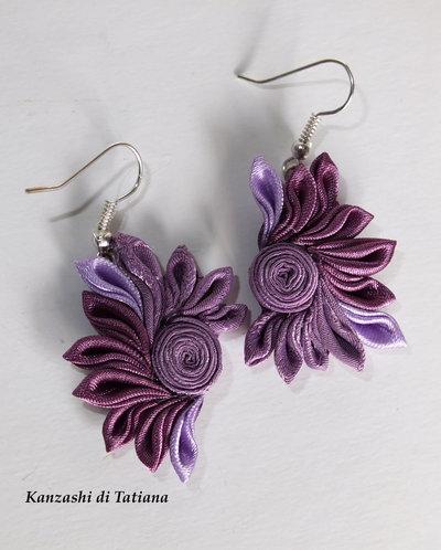 Orecchini kanzashi fatti a mano  colore lilla