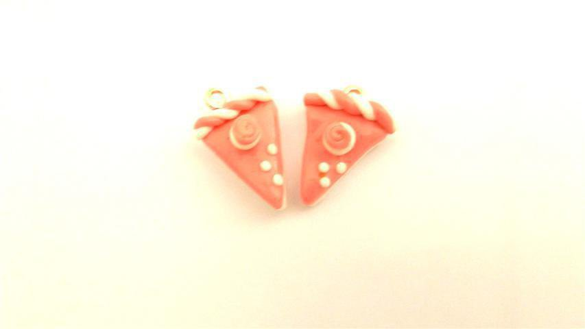 UN CIONDOLO - fetta di torta due strati ROSA - fimo  per orecchini - braccialetti - collane - charms