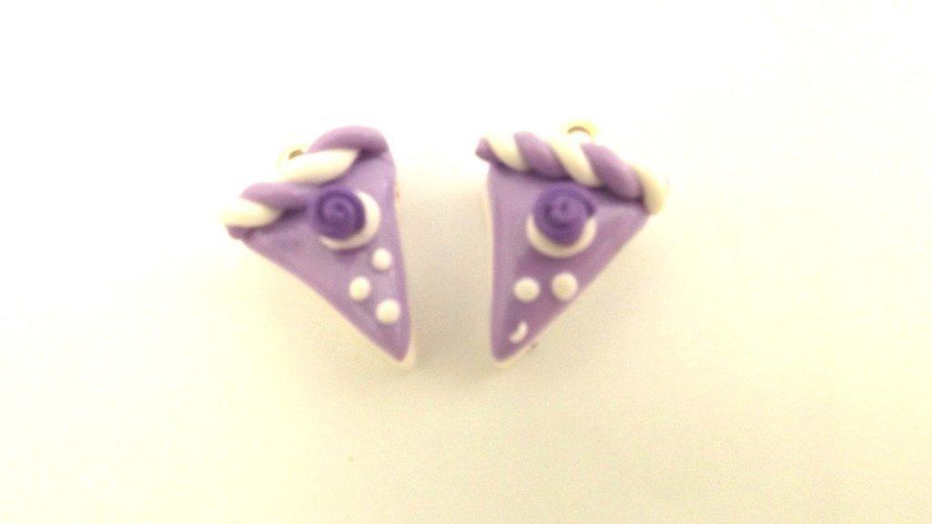 UN CIONDOLO - fetta di torta due strati LILLA - fimo  per orecchini - braccialetti - collane - charms
