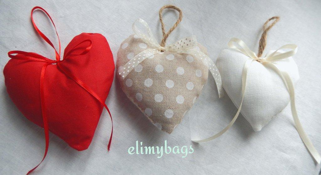 Tre Cuori di stoffa bomboniera da appendere in colori misti stile country♡
