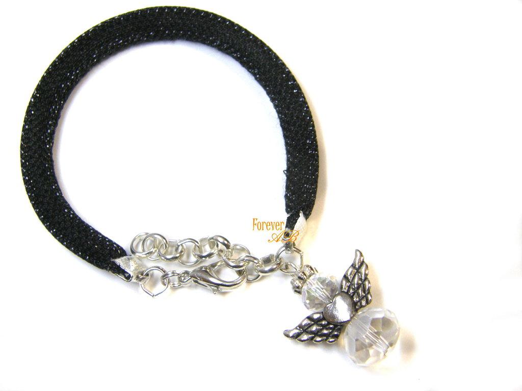 Bracciale in tubolare nero 'laminato'  con ciondolo ad angelo idea regalo ragazza donna
