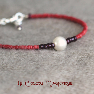 Bracciale semirigido rosso con perla - B.16.2016
