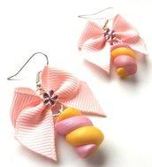 Orecchini fiocchi,fiocchetti in tessuto,strass e dolcetti marshmallow in fimo idea regalo per lei