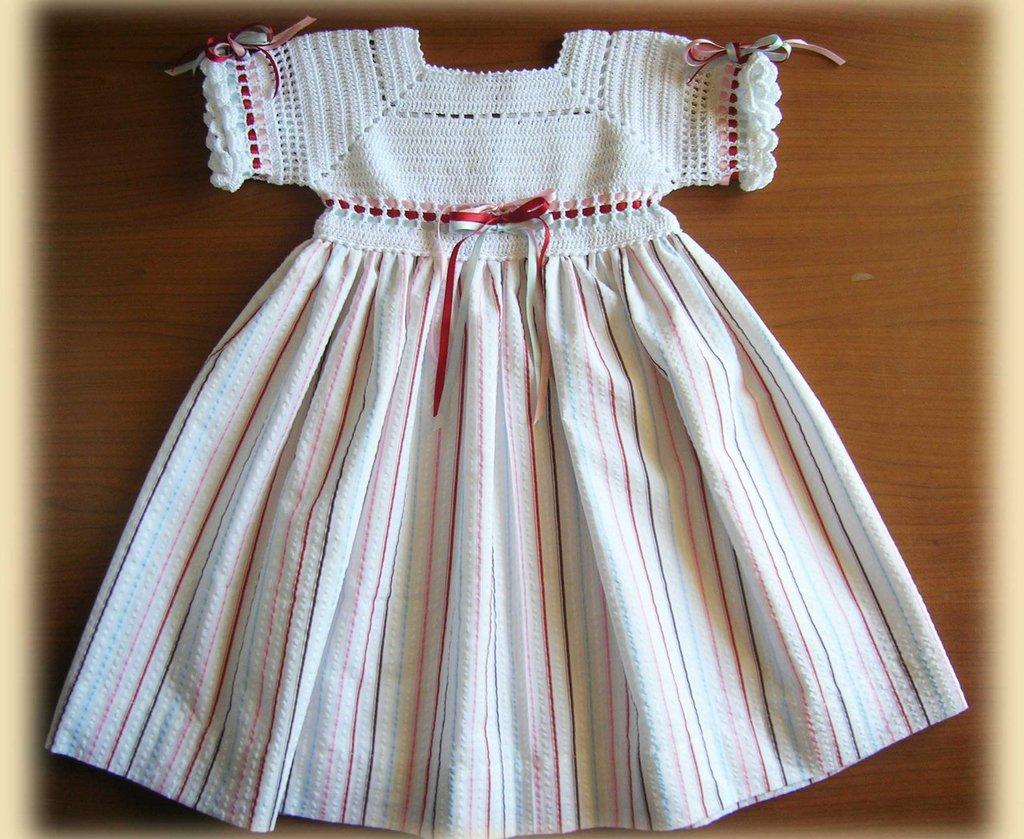 Riservato - Abitini con corpino in filo e cappellino in filo bianco con falda-