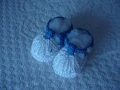 Sandaletto primaverile da neonato realizzato a uncinetto