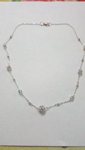collana con sfere strass swarovski, mezzi cristalli e spere metalliche