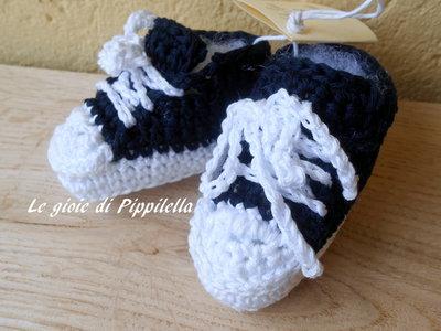 Scarpine sportive da  bambino in cotone bianco blu , idea regalo.