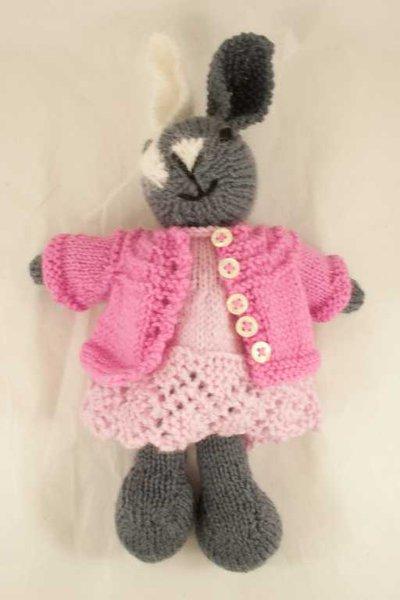 Isotta- coniglio in lana realizzato a maglia (abito più maglia)