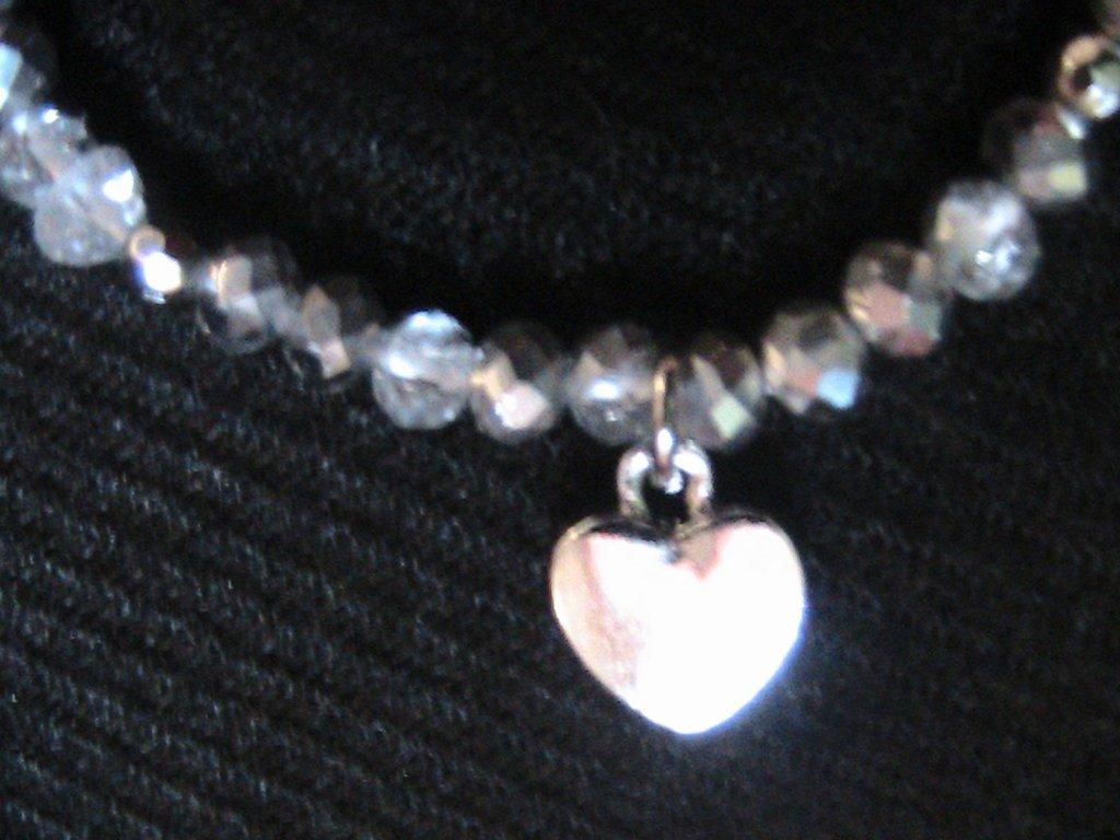 Bracciale elastico con cristalli e cuore