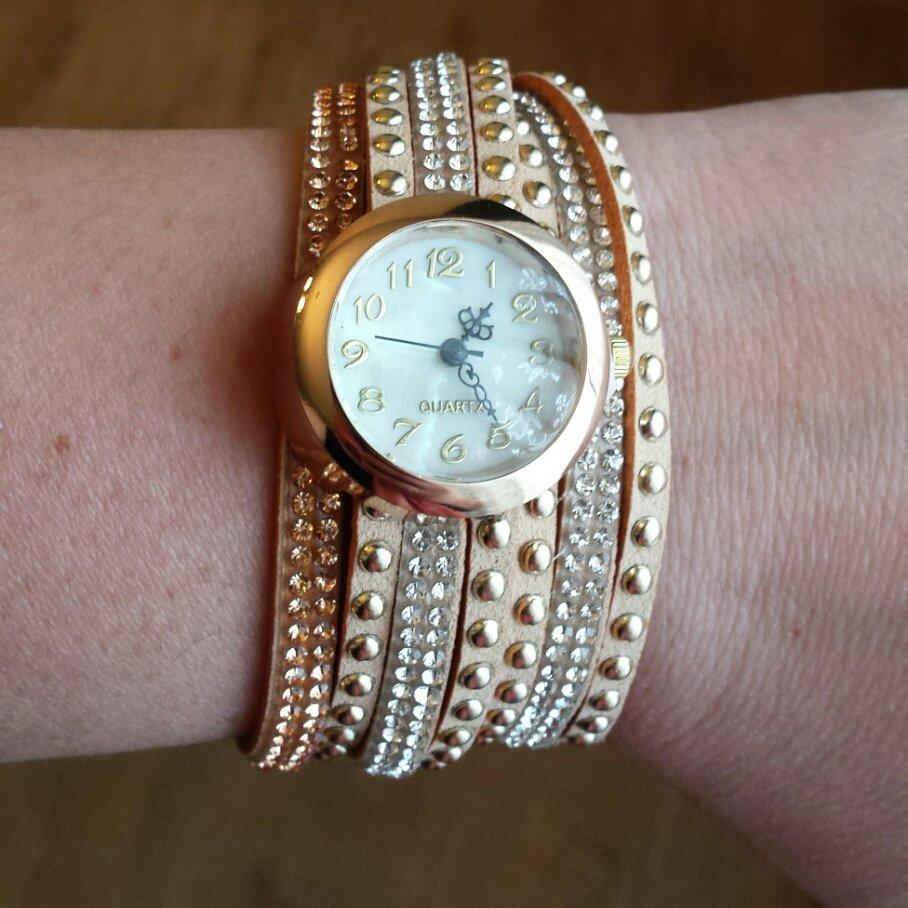 Orologio bracciale Alcantara beige e strass