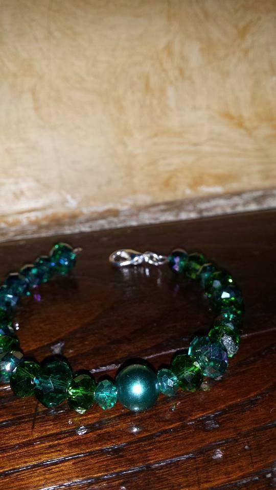 Bracciale di perle verde