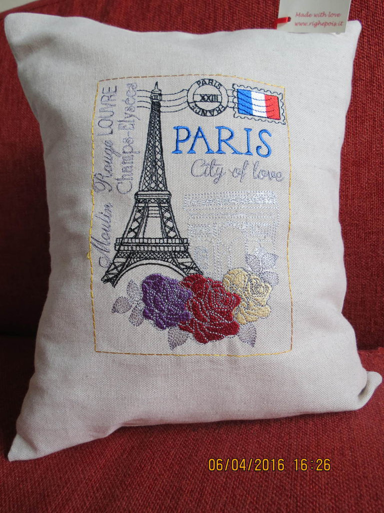 Cuscino ricamato PARIS