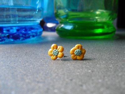 orecchini mini fiorellino
