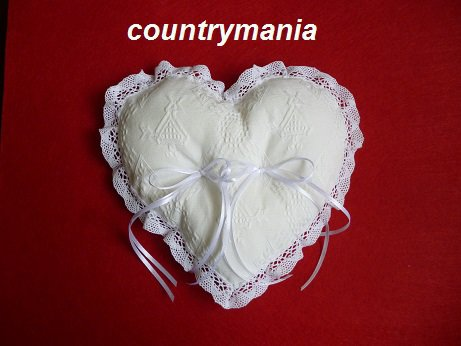 cuscino porta fedi sardo a forma di cuore