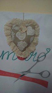 Cuore Fuoriporta tortora con ricamo shabby chic idea regalo