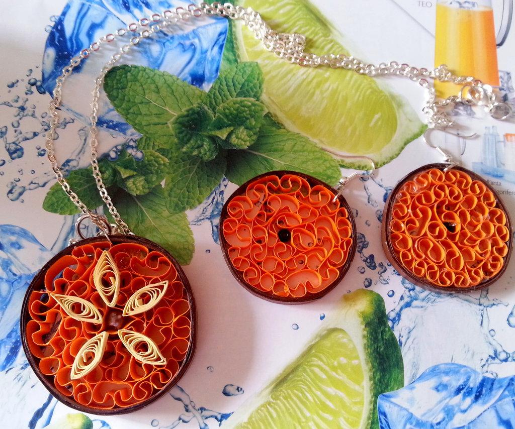 Collana e orecchini quilling arancioni