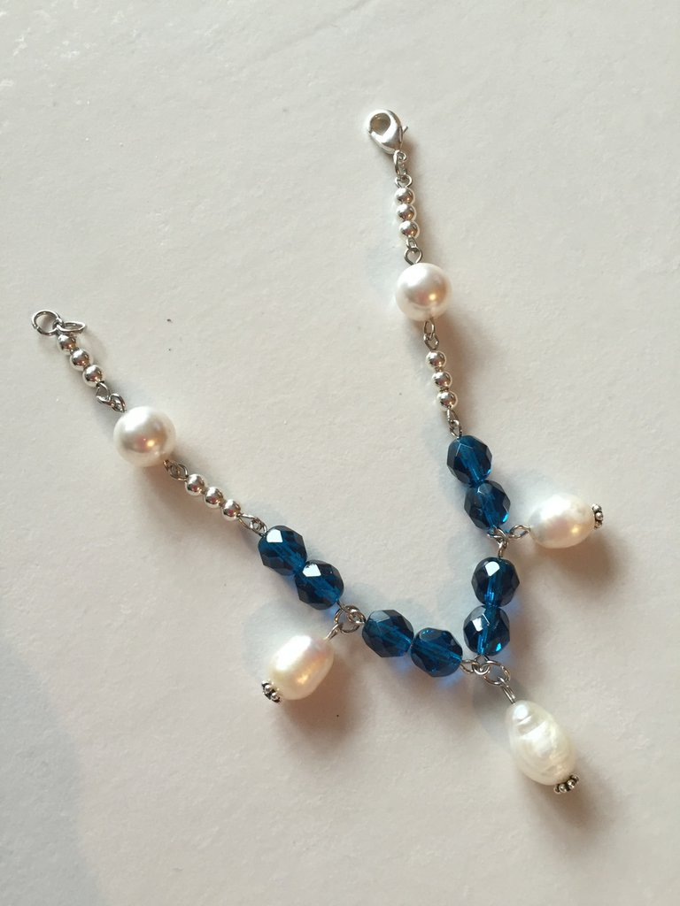 "Bracciale ""Tenerife"" con perle e cristalli Swarovsky blu"