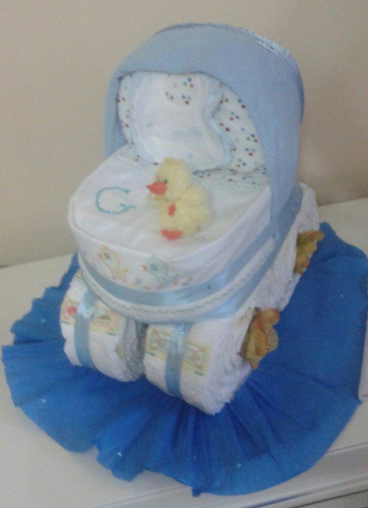 torta pannolini modello carrozzina