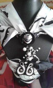 foulard coprispalle bianco e nero