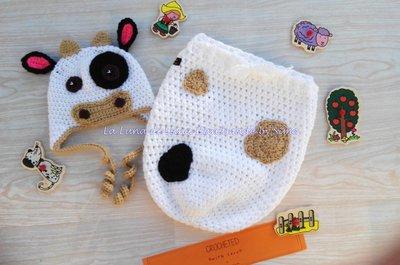 cappellino neonato uncinetto e sacco nanna coordinato  a forma di mucca