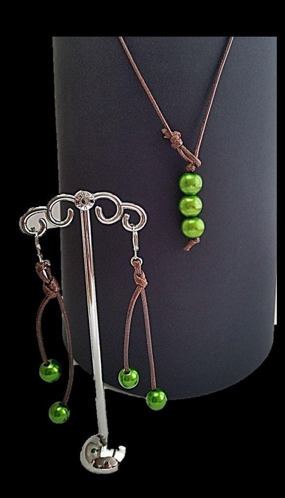 Parure cuoio e perle verde
