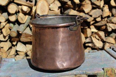 Pentola vaso porta vaso fioriera antica in rame lavorata a mano