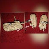 scarpette baby in cotone ad uncinetto con bottone a forma di cuore