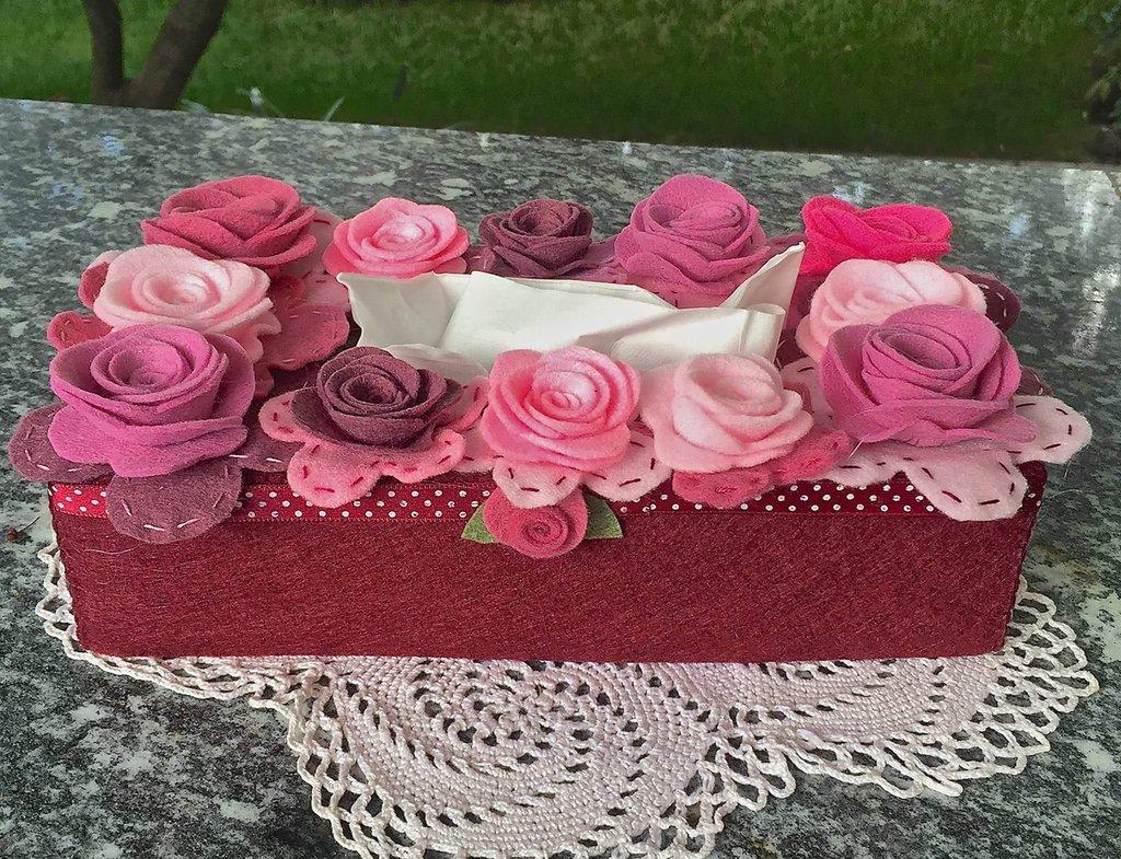 Scatola di feltro porta box per fazzoletti di carta rettangolare, bordò con fiori sul rosa