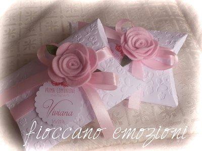 scatoline cuscino con rosa