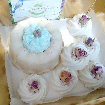 Torta di sapone naturale e budini di sapone