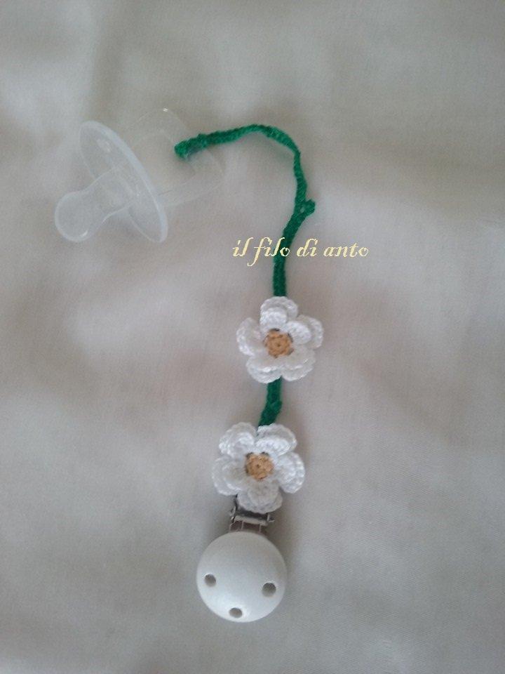 Catenella portaciuccio con fiori